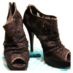 Black lace heels by Chinese Laundry